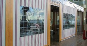 Telones con ventana y puerta